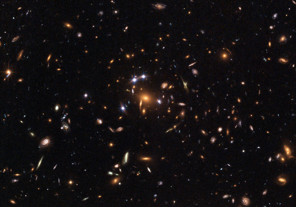 Hubble captures a 'five-star' rated gravitational lens
