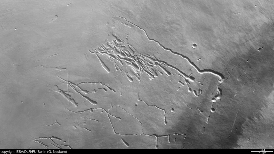 Pavonis Mons in Tharsis Montes