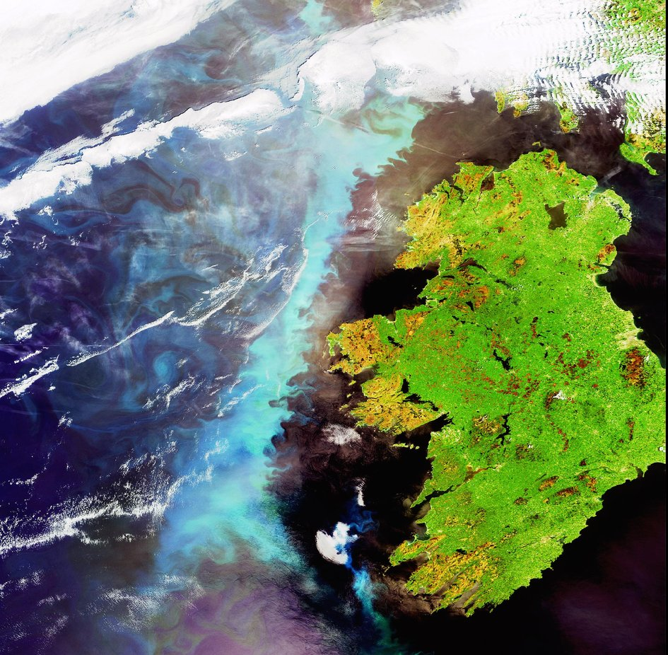 A plankton bloom across Ireland captured by Envisat