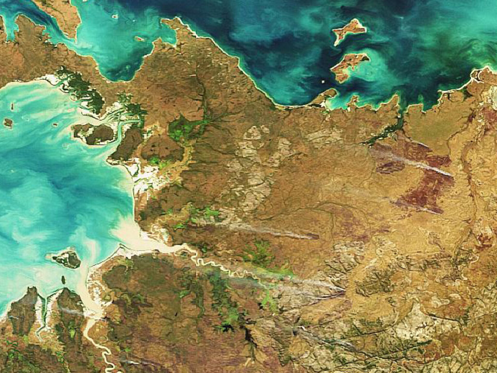 Burning fires in Australia captured by Envisat