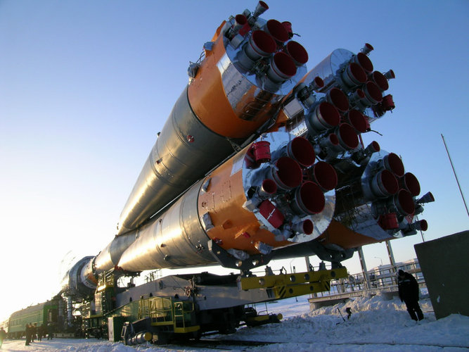 Soyuz launcher being moved to launch pad