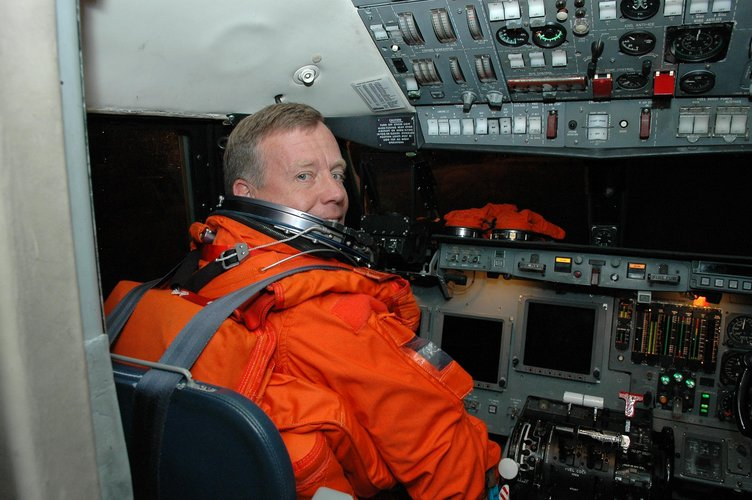 STS-121 Commander Steven Lindsey seated in the cockpit of the Shuttle Training Aircraft (STA)