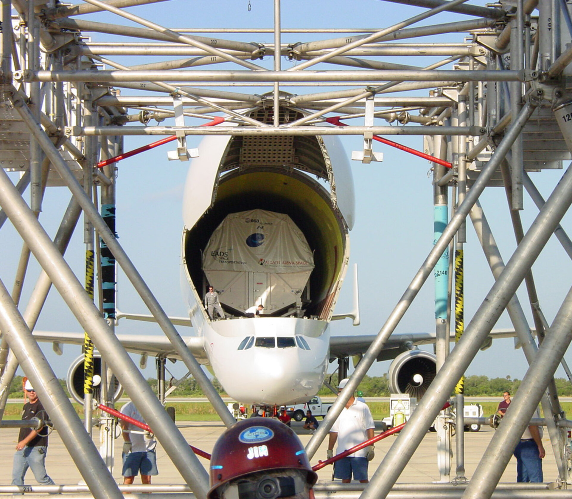 Transport container carrying Columbus laboratory is removed from Beluga aircraft at NASA's Kennedy Space Center