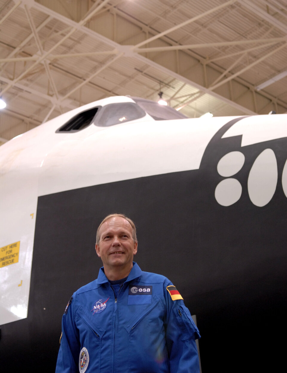 Eyharts will fly on the Space Shuttle together with ESA astronaut Hans Schlegel