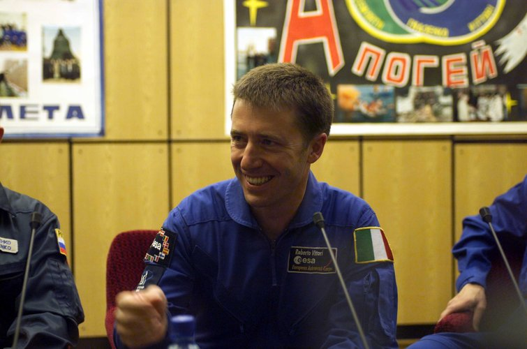 Roberto Vittori during the press conference for Marco Polo mission