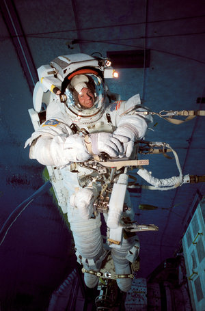 Astronaut Christer Fuglesang participates in an underwater simulation of extravehicular activity (EVA)