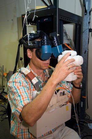 Fuglesang uses virtual reality to train for spacewalk