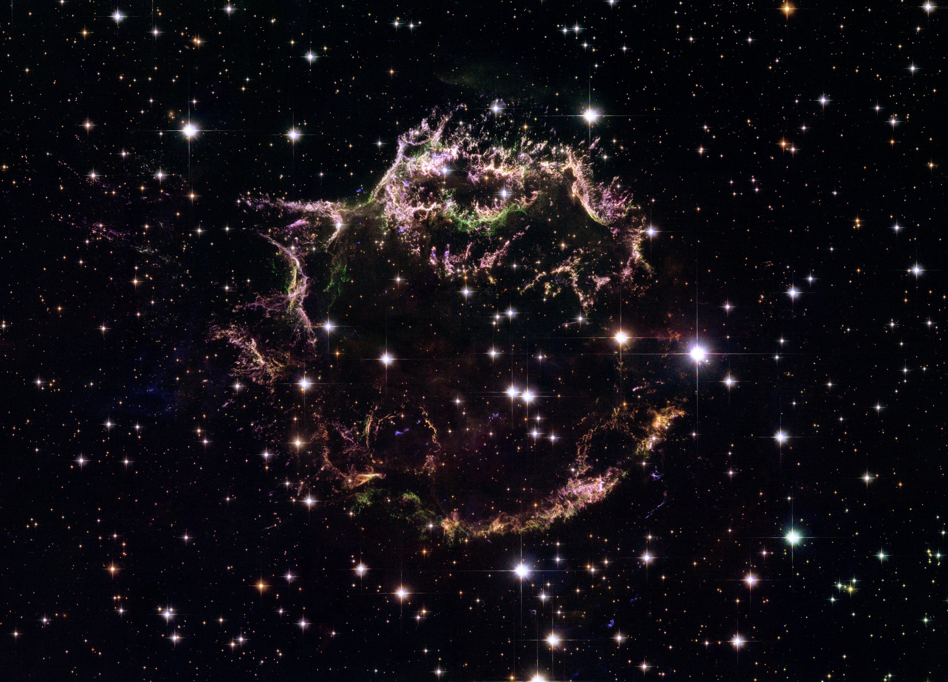 Space in Images - 2006 - 08 - Hubble's view of supernova ...