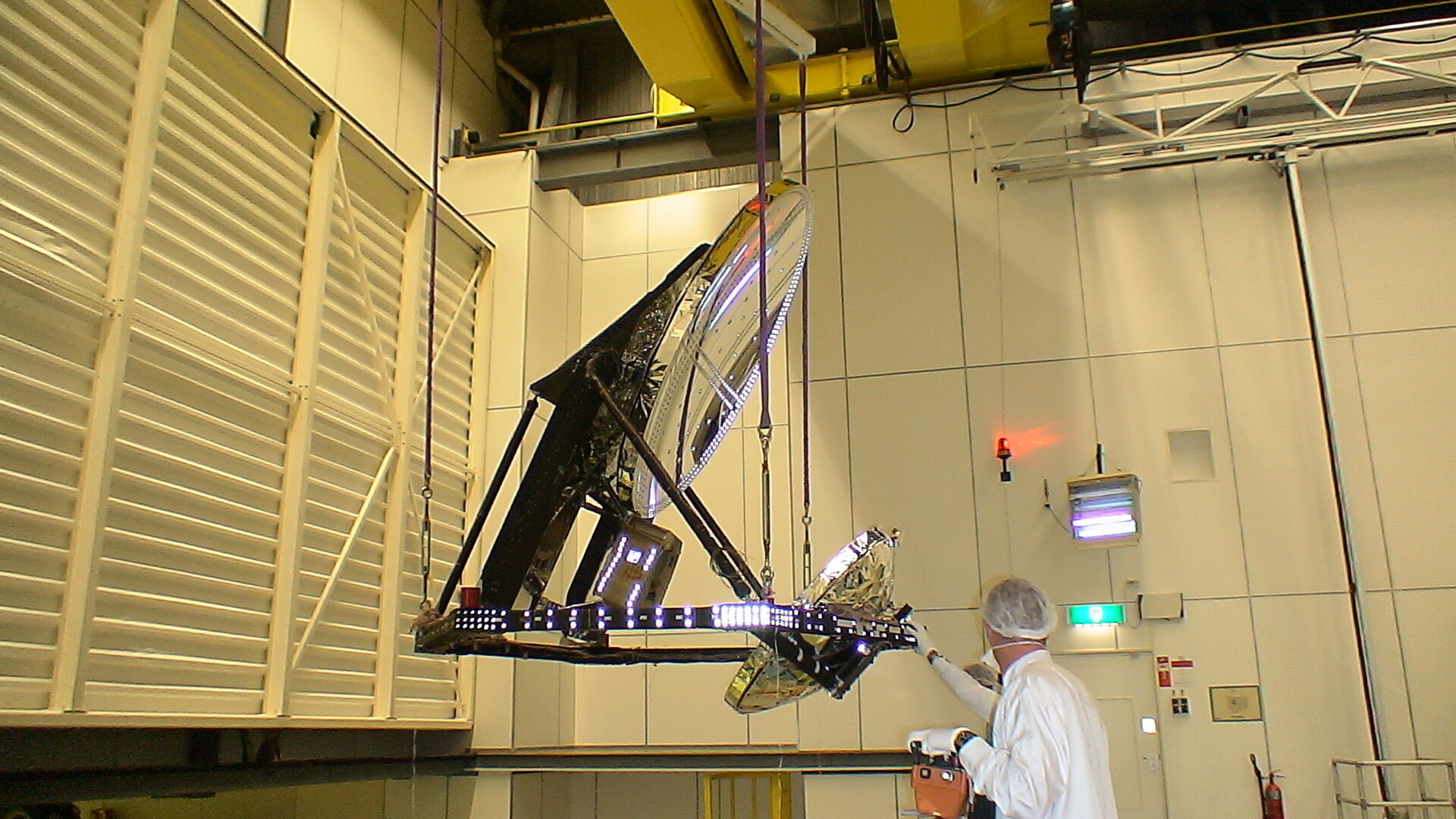 Planck's mirrors are tested in the Large Space Simulator