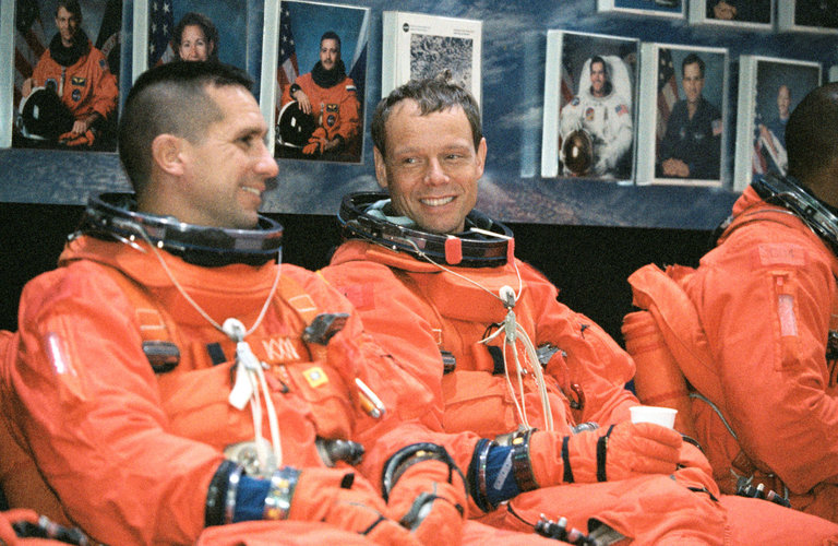 STS-116 pilot William Oefelein and mission specialist Christer Fuglesang