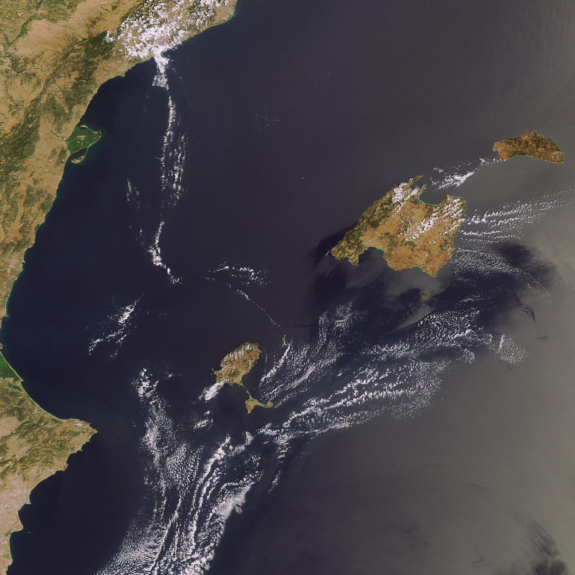 The Balearic Islands as seen by Envisat