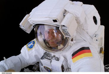 Thomas Reiter during ISS spacewalk on 3 August 2006