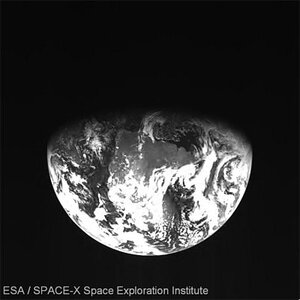 Earthrise seen by SMART-1, 29 August 2006