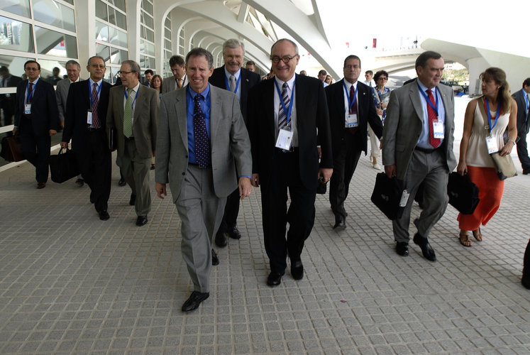 Mr. Dordain (right) and Mr. Griffin (left) at the IAC in Valencia