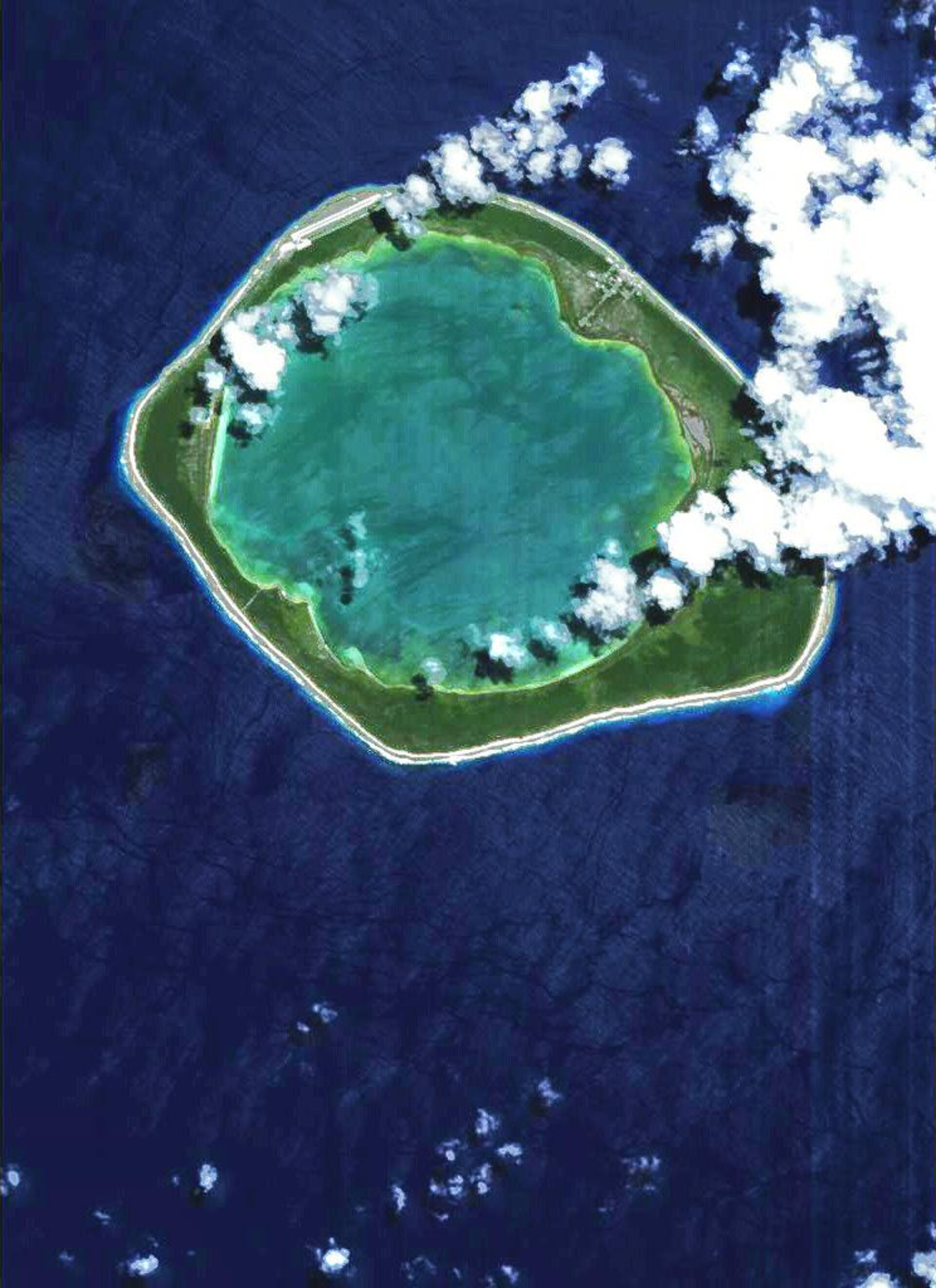 Proba captures the Niau atoll in French Polynesia