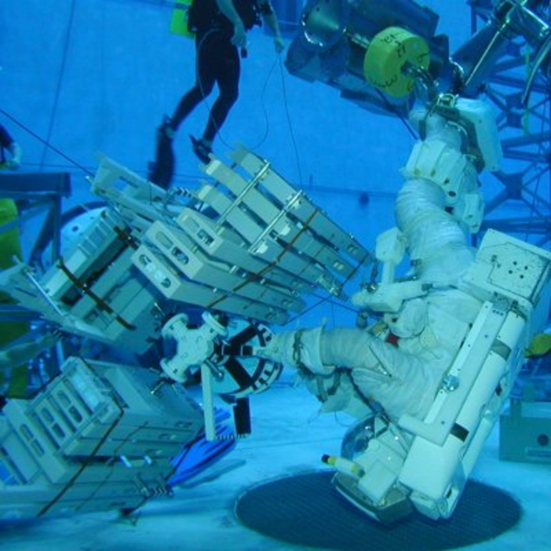 Fuglesang during EVA training in the Neutral Buoyancy Laboratory