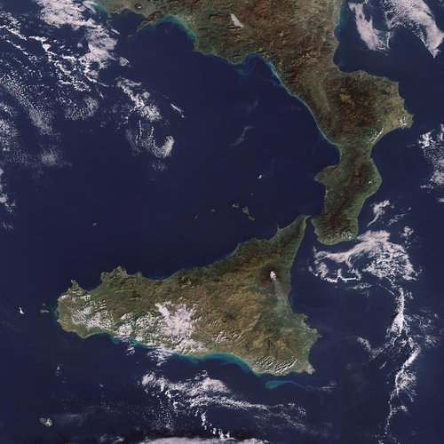 Envisat sees smoke spewing from Mt. Etna