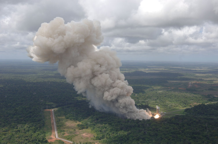 Successful firing of Vega's first-stage motor in Kourou