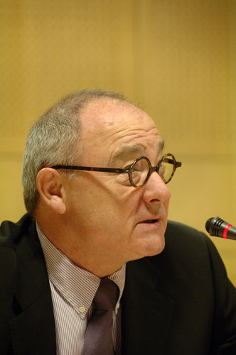 ESA's Director General, Mr. Jean-Jacques Dordain during the annual press conference (2006)