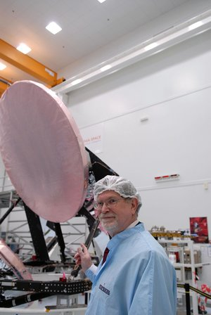 Nobel-prize winner G.Smoot views Planck satellite's mirrors