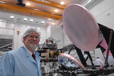 Nobel-prize winner Smoot views Planck satellite's mirrors