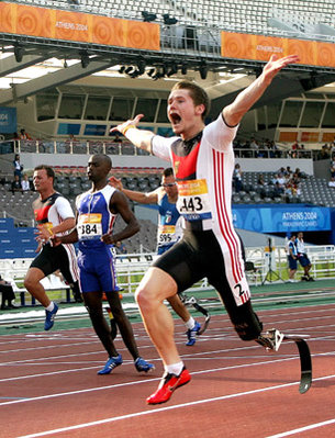 Wojtek Czyz wins gold in 100 m sprint