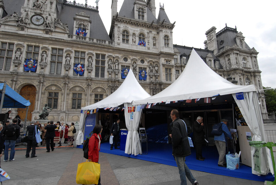 ESA's stand, in front of the Paris Town Hall
