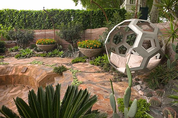Beautiful Garden On Mars: 600 Days With Bradstone