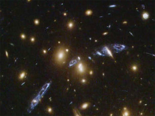 Panning on the galaxy cluster