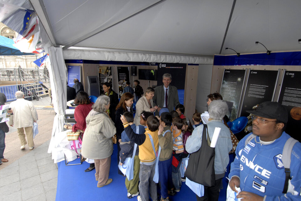 Visitors of all ages invade ESA's stand in the 'European Village'