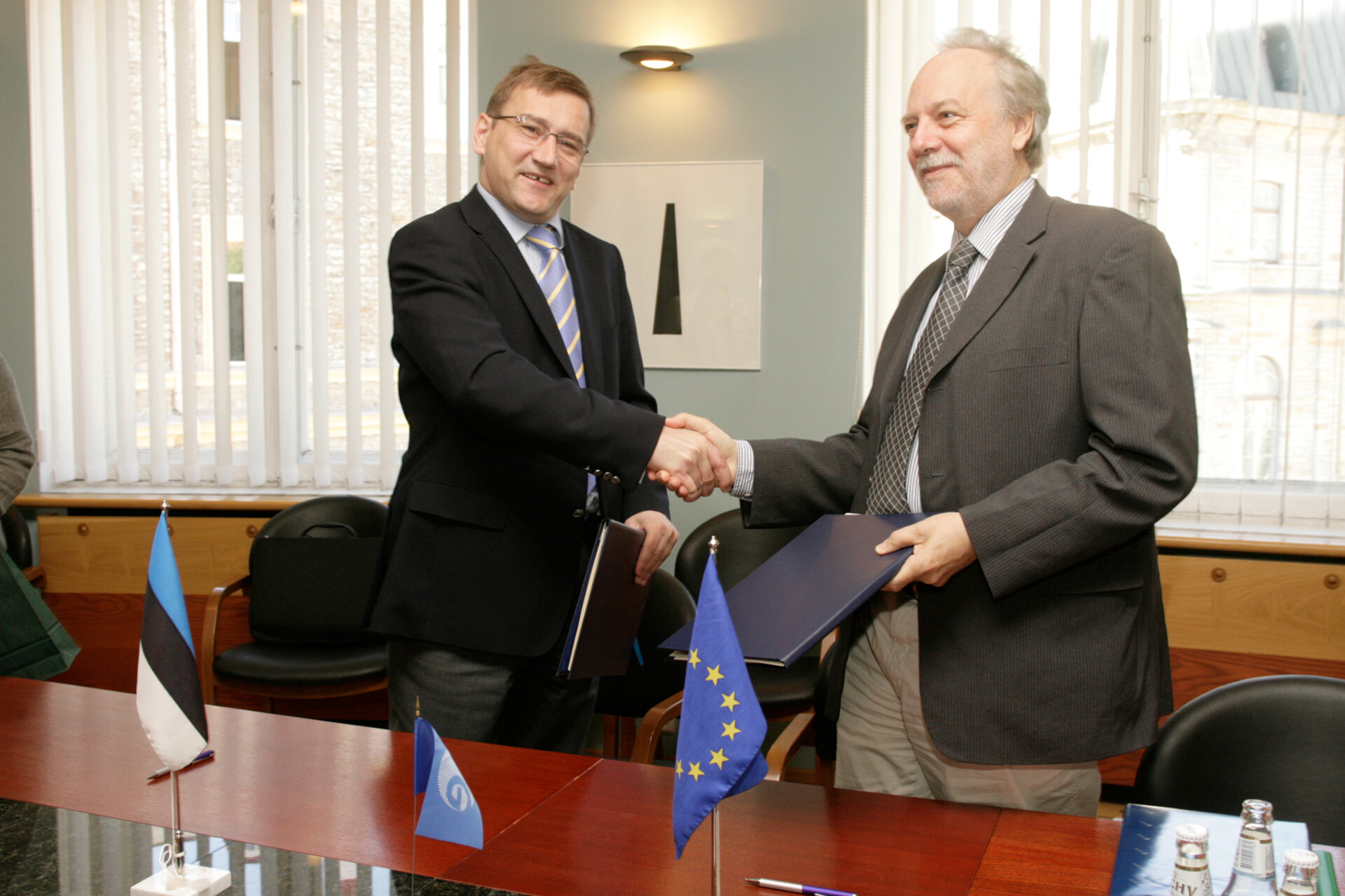 Mr Parts (left) and Mr Oosterlinck (right) signed the Cooperation Agreement on 20 June