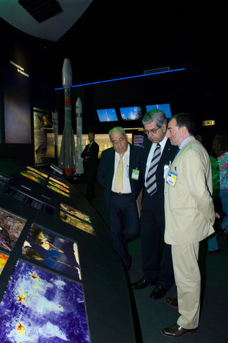 Mr Sergio Gaudenzi, president of the AEB, Brazil's space agency, visits the ESA pavilion with Giuseppe Morsillo