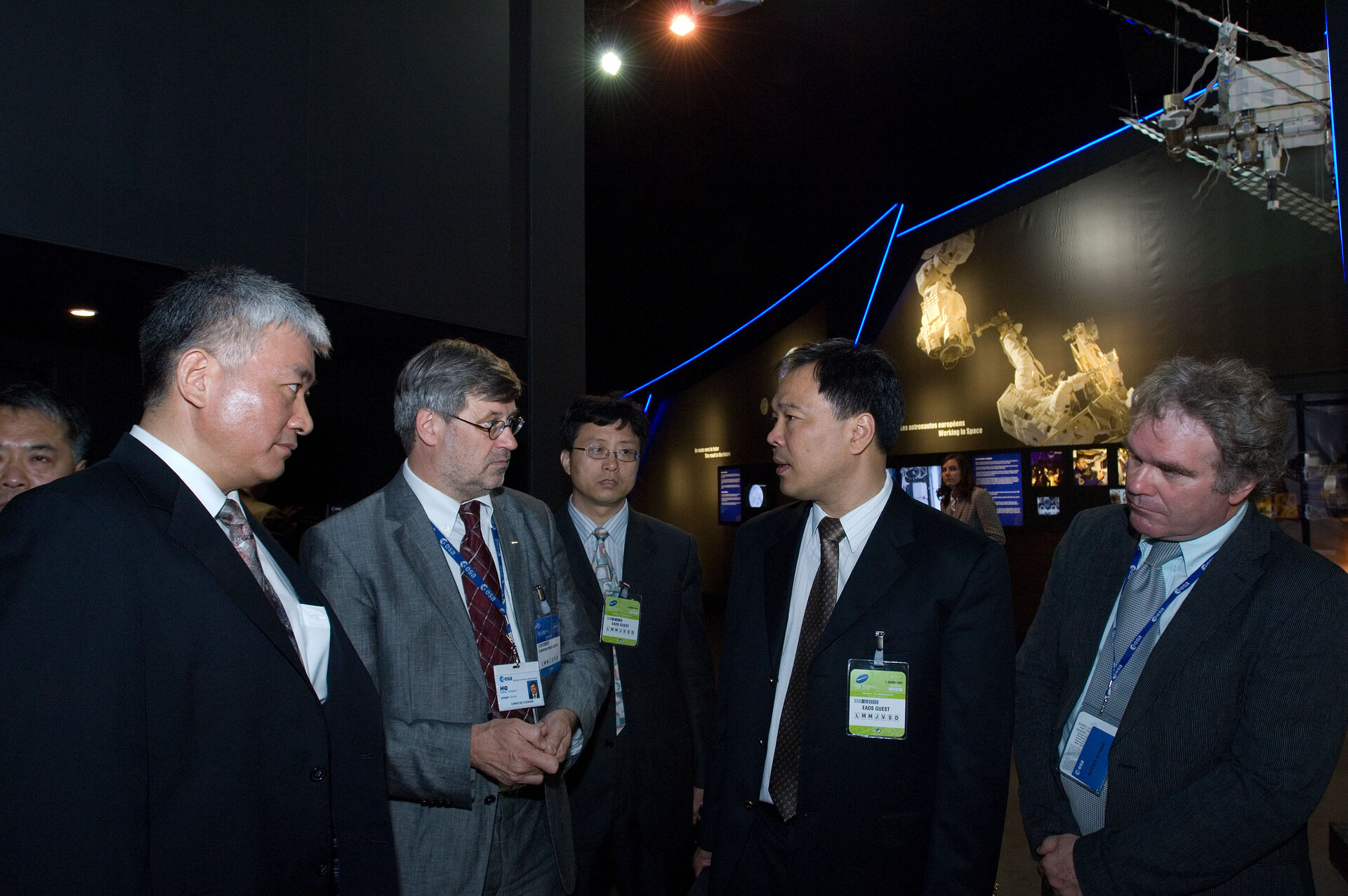 Visit of the ESA pavilion by the Chinese Electronic Technology Group Corp