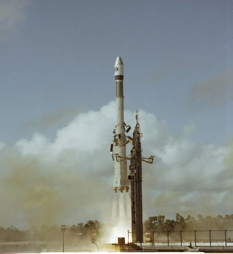 ECS-1 lifts off aboard an Ariane 1