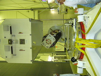 Opening the transport container at ESA