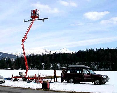 Cherry picker equipped with radar for SARAlps2007