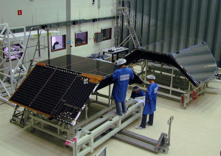 Herschel's combined Solar array and sunshade