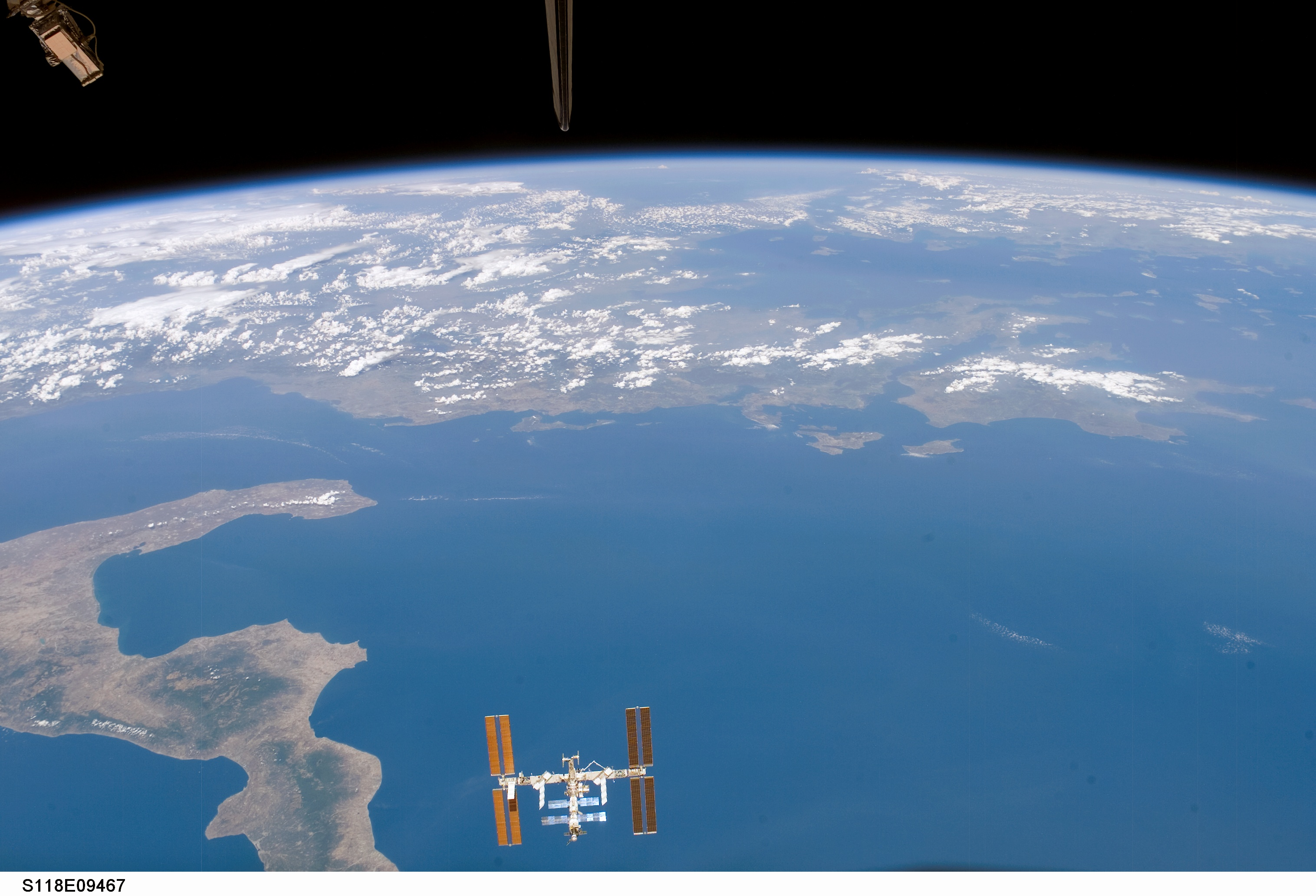 Space in Images - 2007 - 09 - International Space Station ...