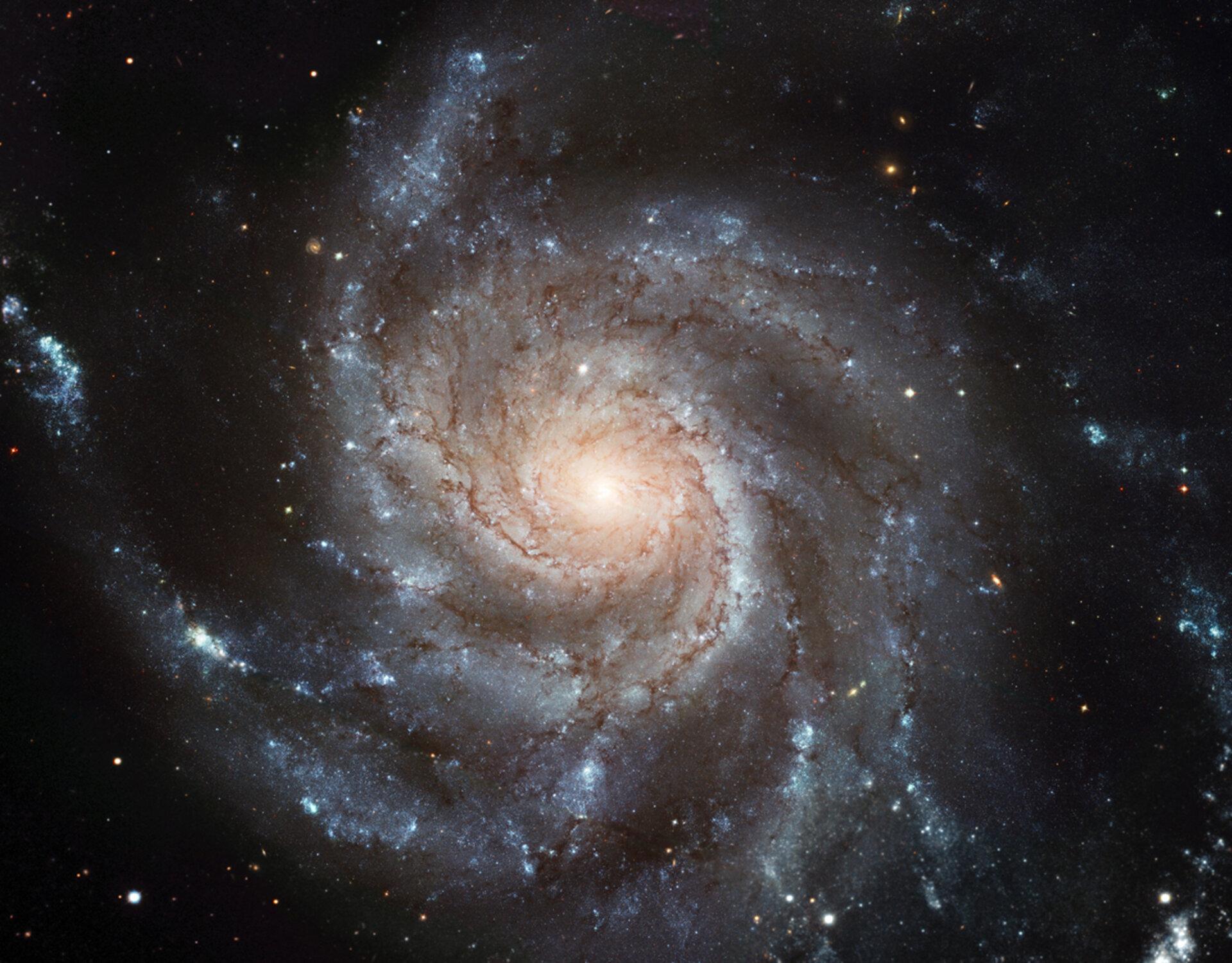 Spiral_Galaxy_pillars.jpg