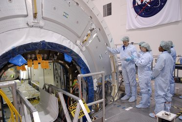 STS-120 crew members familiarize themselves with Harmony (Node 2)