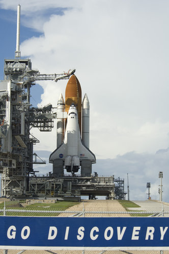 Discovery shuttle ready for lift off