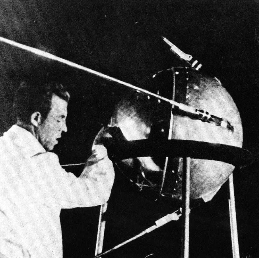 The launch of sputnik 1