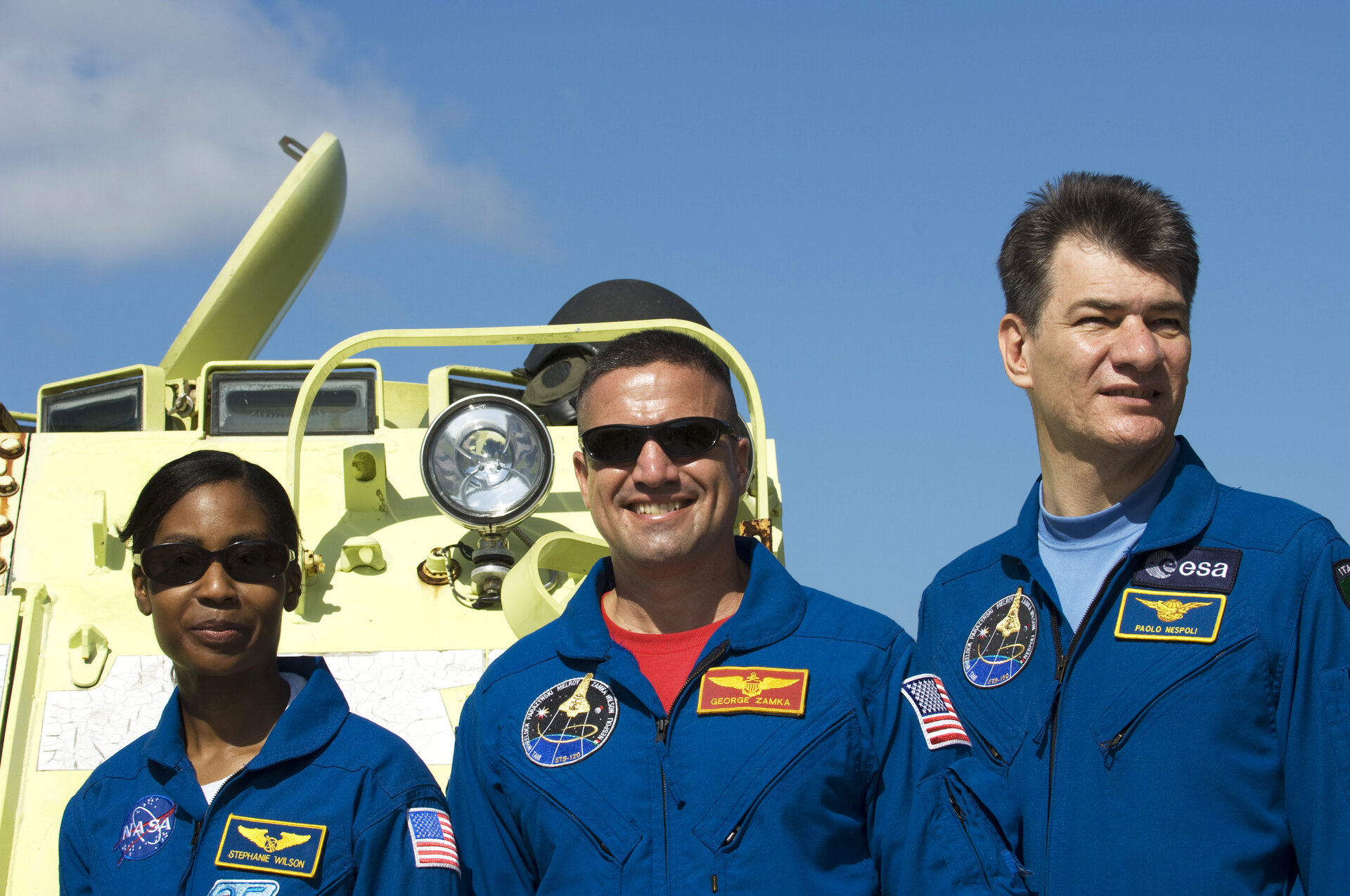 STS-120 crewmembers, Stephanie Wilson, George Zamka and Paolo Nespoli during M-113 training at KSC