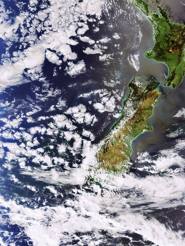 New Zealand islands captured by Envisat