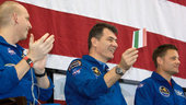 Nespoli waves Italian flag