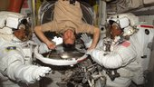 Nespoli helps spacewalkers in Quest Airlock