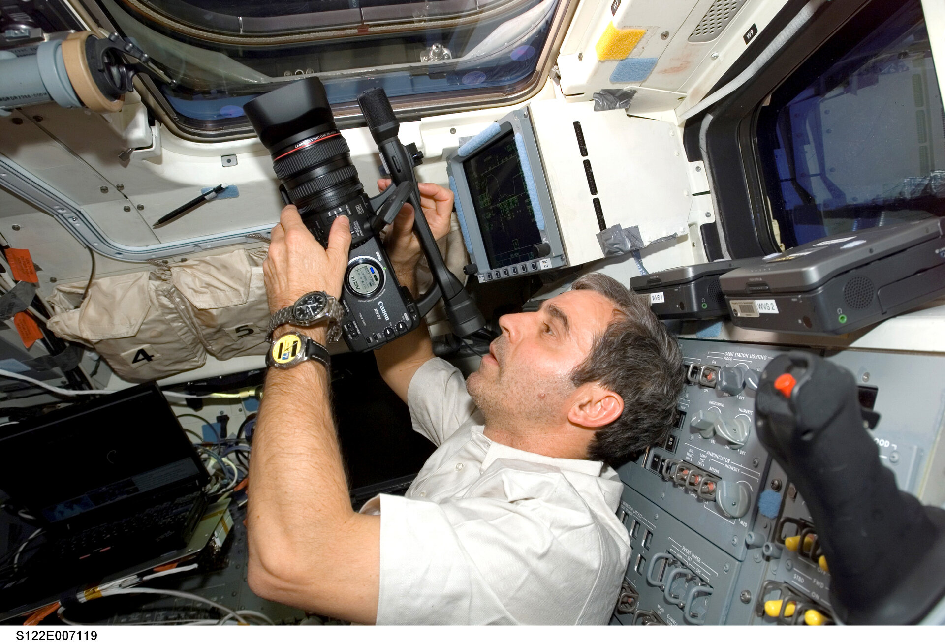 ESA astronaut Leopold Eyharts records ISS docking from Space Shuttle Atlantis'