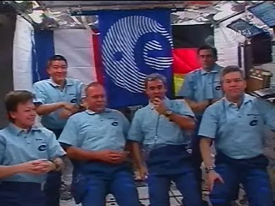 ISS and Atlantis crew join ESA astronauts for in-flight call