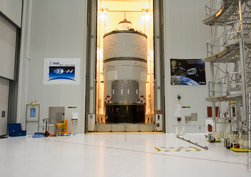 Jules Verne ATV is moved to the Final Assembly Building