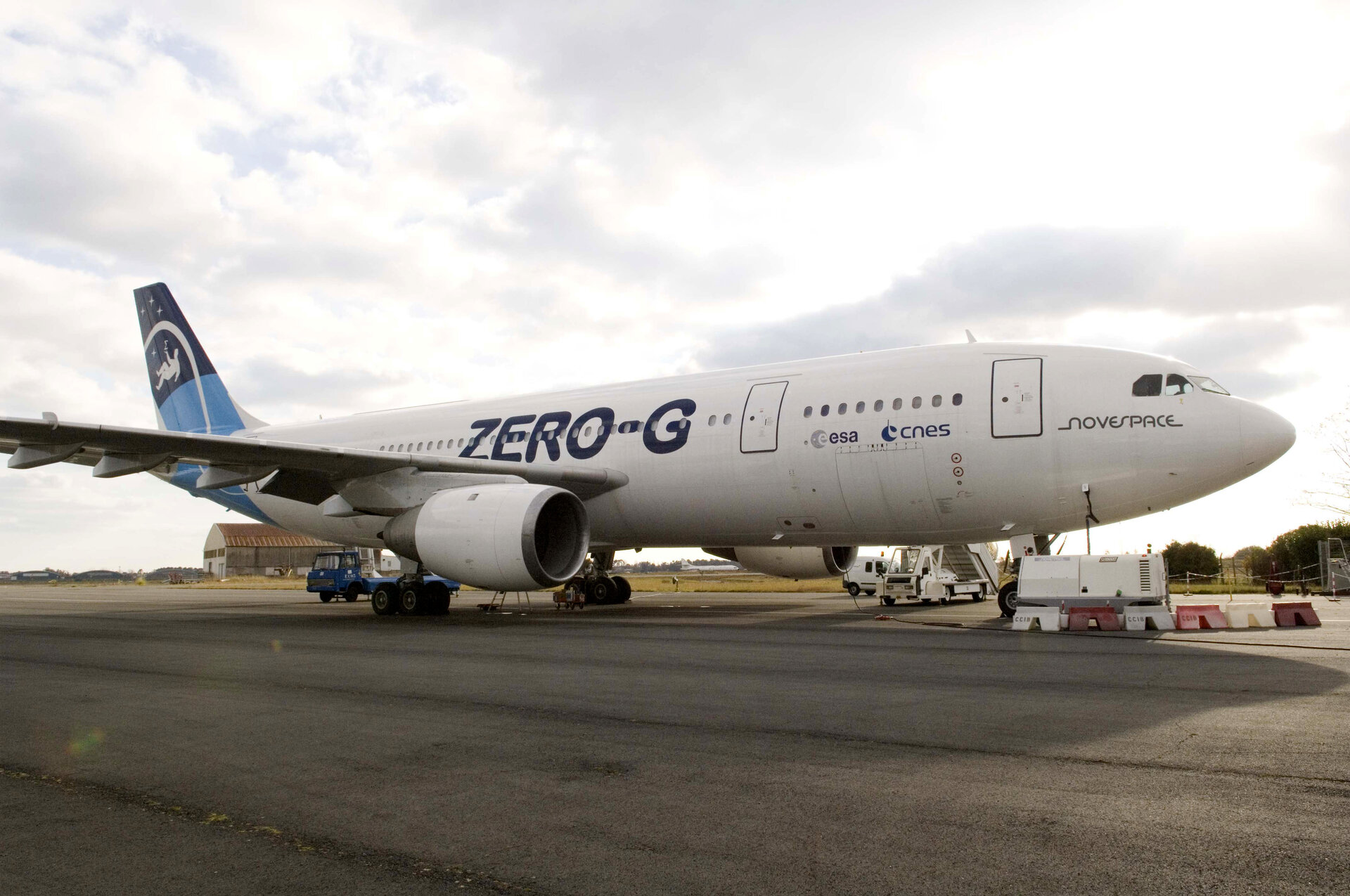 'Zero-g' Airbus A-300 used for parabolic flights
